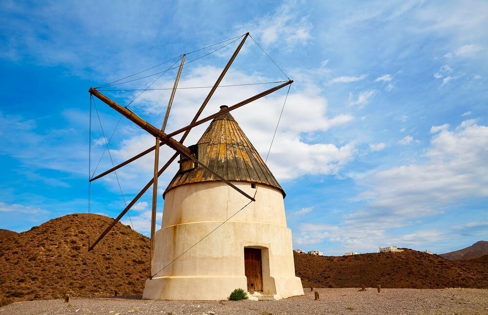 Molino de viento en Los Genoveses - Cabo de Gata