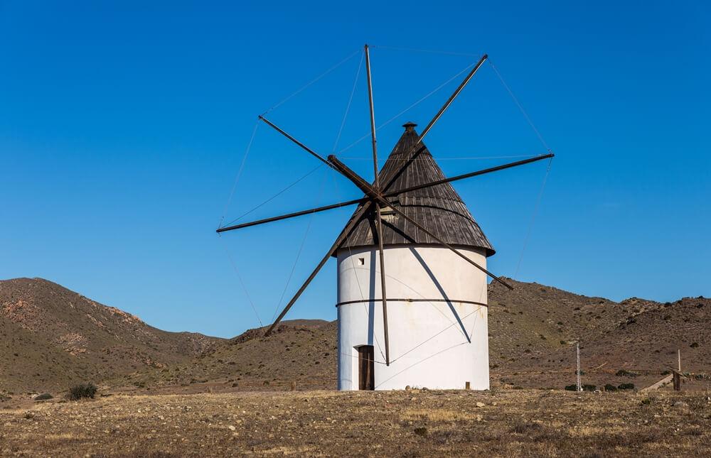 Molino de viento en Pozo de los Frailes - Cabo de Gata
