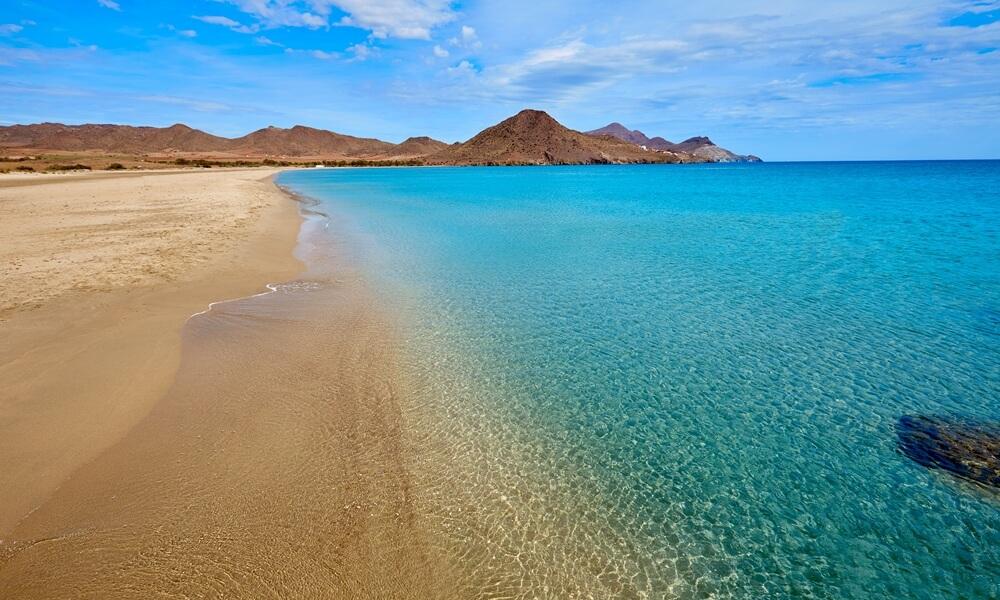 Los Genoveses Beach