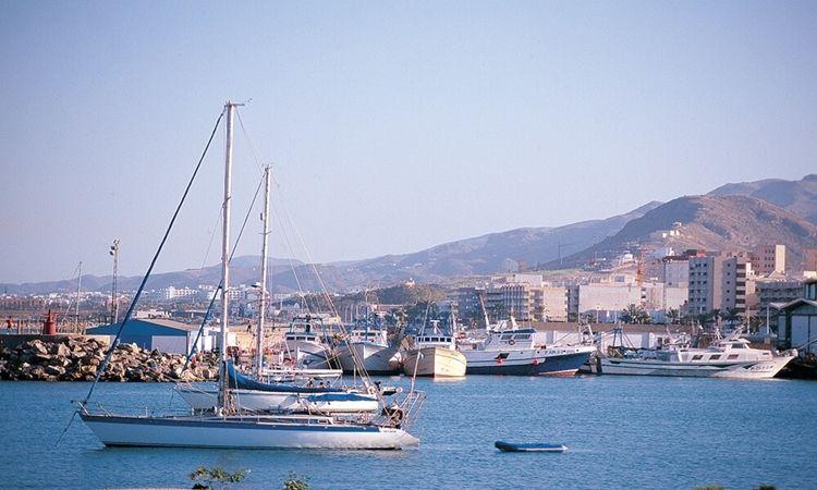 Lonja y puerto pesquero (Garrucha)