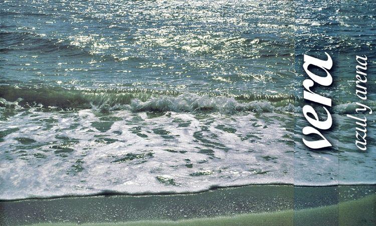 Vera, azul y arena