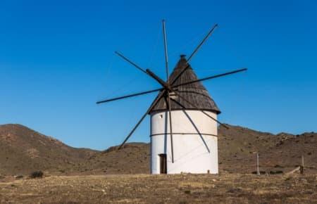 Molino de viento de Pozo de los Frailes (Cabo de Gata - Almería)
