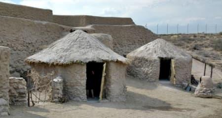 Los Millares. Cabañas reconstruidas en la zona de interpretación